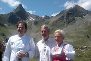 Gastkoch Axel Clevers aus Belgien mit den Hüttenwirten Martha und Hubert Rudigier